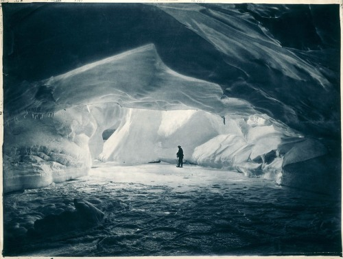 frank-hurley-antarctica-carved-cave-sea