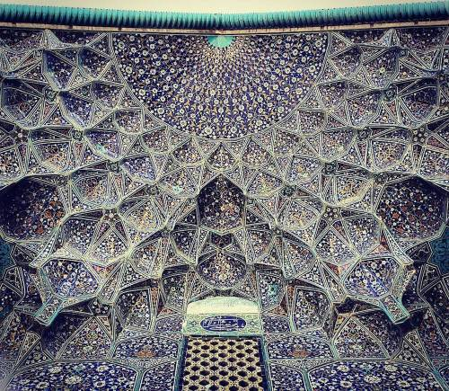 Sheikh-Lotfollah's mosque in Esfahan